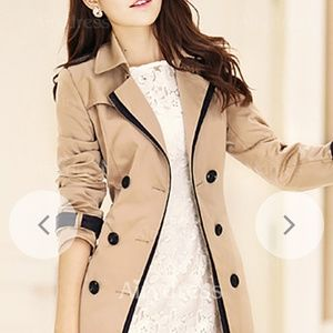 Jackets & Blazers - Beige coat with buttons and belt